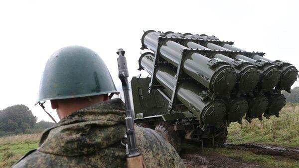 Пуск противокорабельной ракеты БРК Бал в рамках учений Запад-2017  - Sputnik Латвия