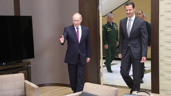 Президент России Владимир Путин и президент Сирии Башар Асад во время встречи - Sputnik Latvija