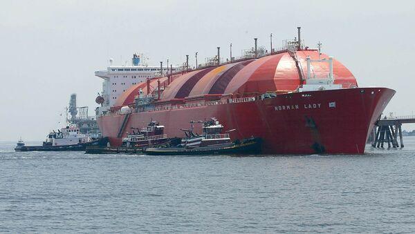 Судно предназначенное для транспортировки сжиженного природного газа - Sputnik Латвия
