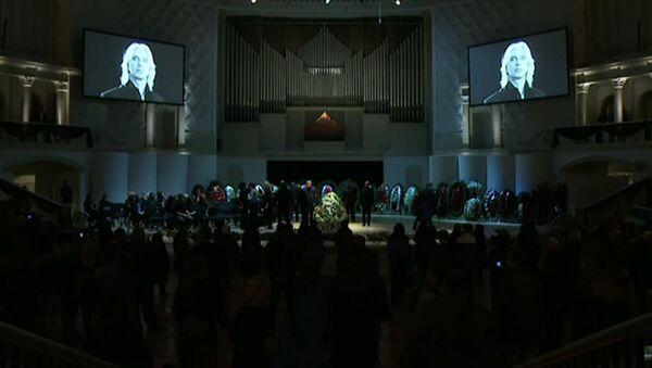 Церемония прощания с Дмитрием Хворостовским в Москве - Sputnik Латвия