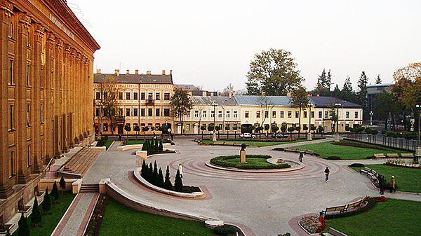 Площадь около старого корпуса Даугавпилсского Университа, архивное фото  - Sputnik Латвия