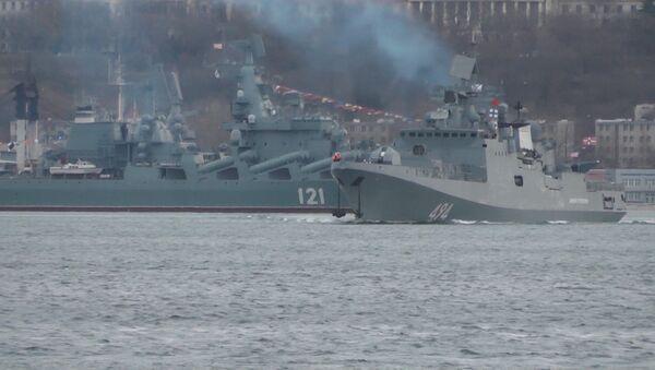 Фрегат Адмирал Григорович возращается в Средиземное море - Sputnik Латвия