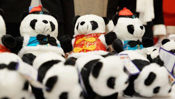 Панды на стенде посольства Китая - Sputnik Латвия