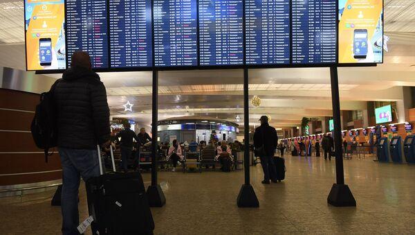 Задержки авиарейсов в аэропорту Шереметьево - Sputnik Латвия