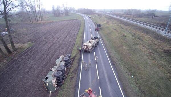 Американская военная техника увязла в грязи в Польше - Sputnik Латвия