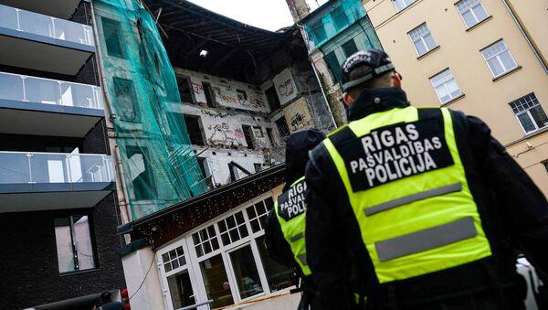 Обрушение здания в центре Риги - Sputnik Латвия