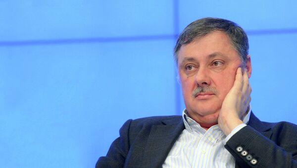 Политолог Дмитрий Евстафьев - Sputnik Латвия