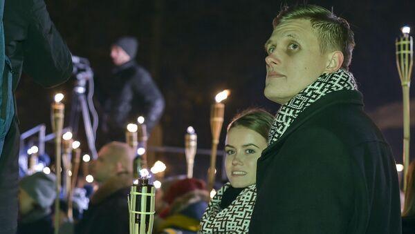 Янис Домбрава со своей невестой - Sputnik Latvija