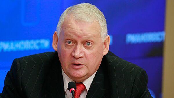 Руководитель Центра Международная энергополитика Юрий Солозобов - Sputnik Латвия