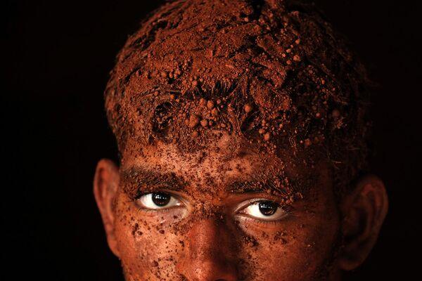 Снимок фотографа Alain Schroeder, в составе серии победивший в конкурсе Travel Photographer Of The Year 2017 - Sputnik Латвия