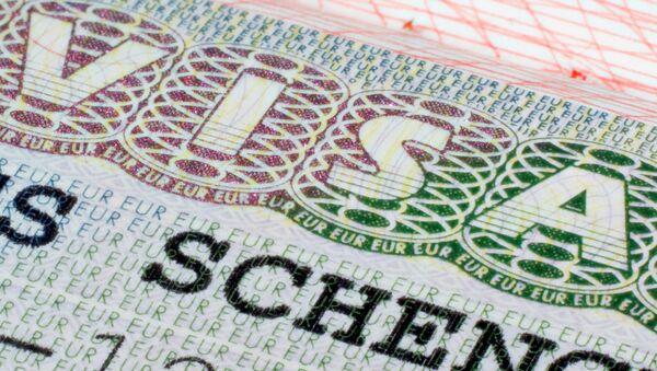 Шенгенская виза в паспорте - Sputnik Latvija