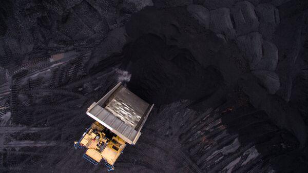 Угольный разрез Черниговский в Кемеровской области - Sputnik Латвия