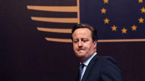 Lielbritānijas premjerministrs Deivids Kamerons - Sputnik Latvija