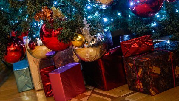 Новогодние игрушки - Sputnik Латвия