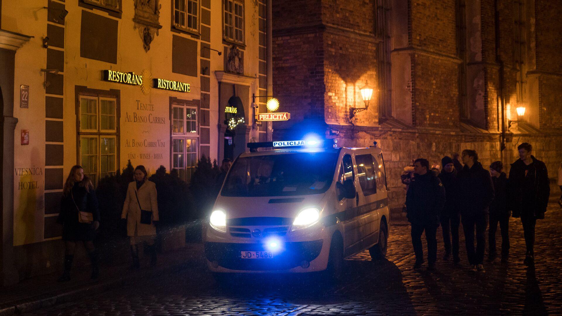 Полиция не дремлет в Новогоднюю ночь - Sputnik Латвия, 1920, 21.09.2021