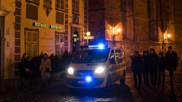 Полиция не дремлет в Новогоднюю ночь - Sputnik Латвия