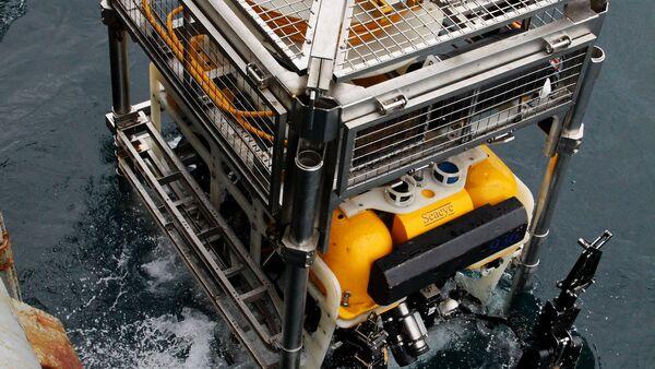 Учение по оказанию помощи аварийной подводной лодке - Sputnik Latvija