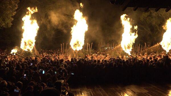 Новогодняя церемония изгнания демонов прошла в японском Куруме - Sputnik Latvija