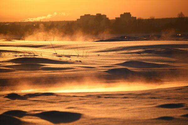 Saulriets pie Tomas upes - Sputnik Latvija