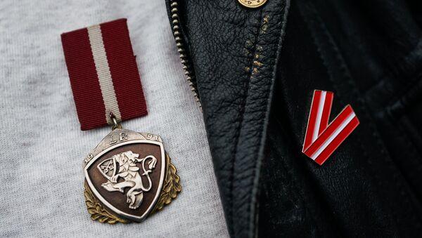 Памятная медаль защитника баррикад 1991 года - Sputnik Latvija