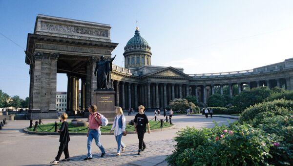 Казанский собор, один из крупнейших храмов Санкт-Петербурга - Sputnik Latvija