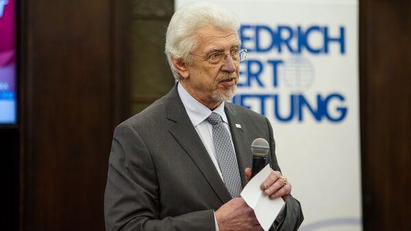 Председатель комиссии Сейма по иностранным делам Оярс Эрик Калныньш - Sputnik Латвия