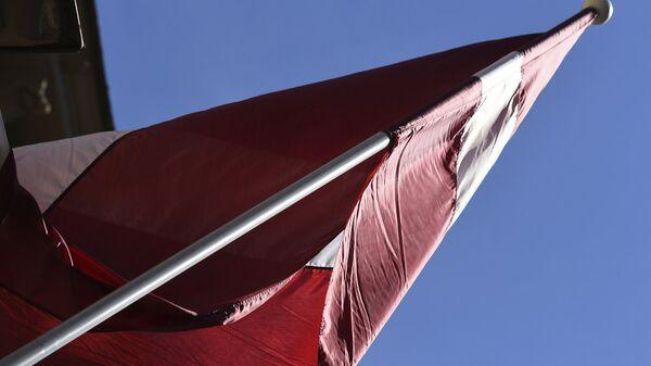 Флаг Латвии на здании Сейма - Sputnik Latvija