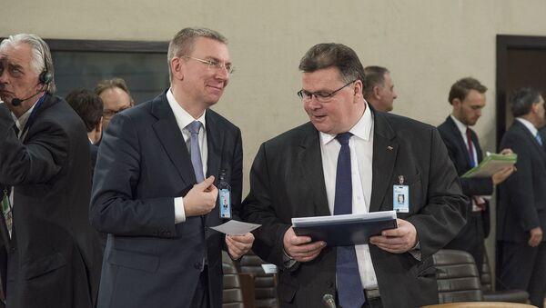 Министр иностранных дел Латвии Эдгарс Ринкевичс и министр иностранных дел Литвы Линас Линкявичюс - Sputnik Латвия