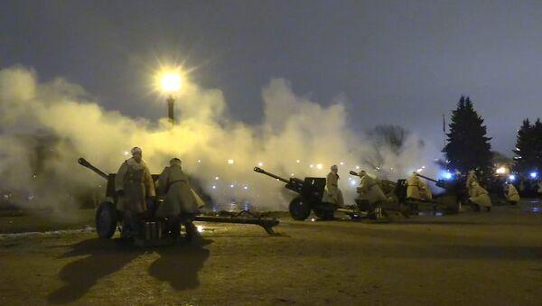 To nedrīkstam aizmirst: Pēterburgā svin blokādes pārvarēšanas 74. gadadienu - Sputnik Latvija