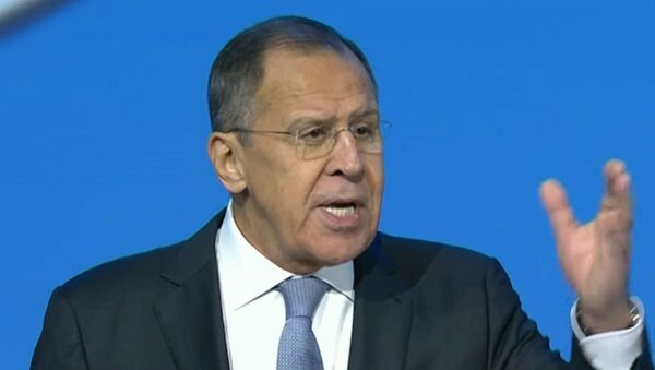 Lavrovs ar joku savaldīja sīriešu delegātus Sočos - Sputnik Latvija