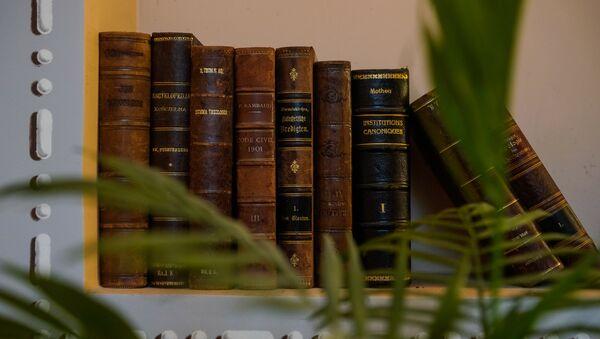 Старинные книги в Пакруойской усадьбе - Sputnik Латвия