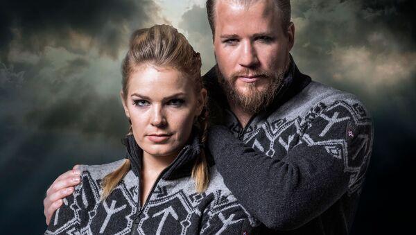Одежда компании Dale of Norway из коллекции, созданной для членов горнолыжной команды Олимпийской сборной Норвегии - Sputnik Latvija