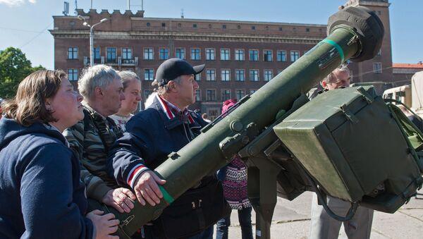 Военная техника армии США в Риге - Sputnik Latvija
