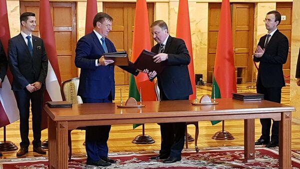 Премьер-министр Латвии Марис Кучинскис и премьер-министр Беларуси Андрей Кобяков - Sputnik Латвия
