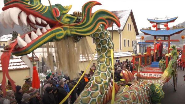 Китайский карнавал в Баварии - Sputnik Latvija