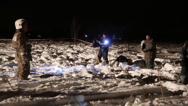 Крушение пассажирского самолета в Московской области - Sputnik Латвия