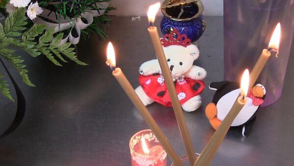 В Орске и Саратове несут цветы и свечи в память о жертвах крушения Ан-148 - Sputnik Латвия