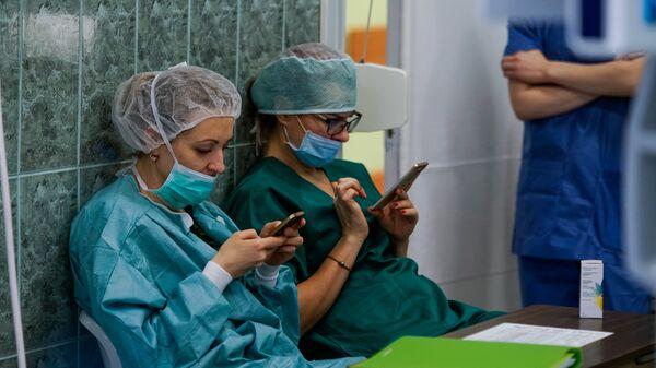 Операционная в больнице им. Паула Страдиня - Sputnik Латвия