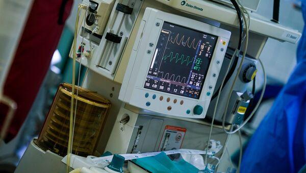 Операционная в больнице им. Паула Страдиня - Sputnik Latvija