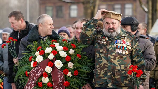 Ветераны-афганцы собрались у памятника воинам-интернационалистам - Sputnik Латвия