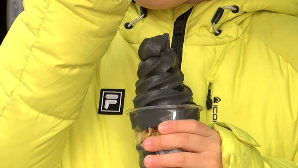 Melnais saldējums: Olimpiskās Korejas eksotika - Sputnik Latvija