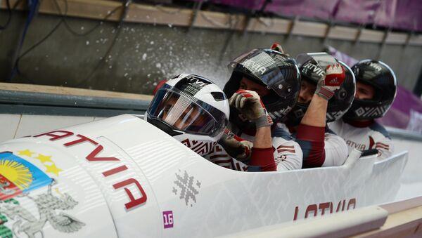 Олимпиада 2014. Бобслей. Мужчины. Четверки. Второй день - Sputnik Латвия