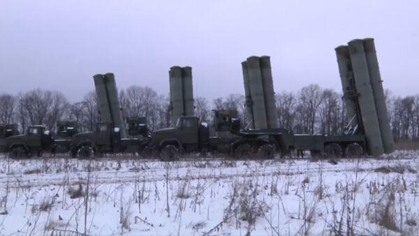 Тактические учения с применением комплексов С-300 в Ростовской области - Sputnik Latvija