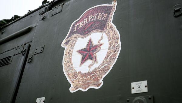 Оперативно-тактический ракетный комплекс (ОТРК) Искандер-М во время тактических учений расчетов по управлению ракетными ударами в Краснодарском крае - Sputnik Латвия