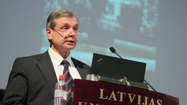 Министр образования Латвии Карлис Шадурскис в Латвийском университете - Sputnik Latvija