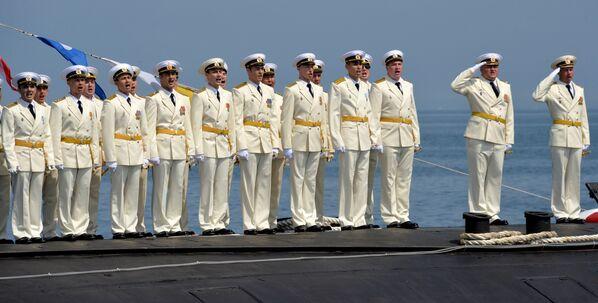 Генеральная репетиция празднования Дня ВМФ во Владивостоке - Sputnik Латвия