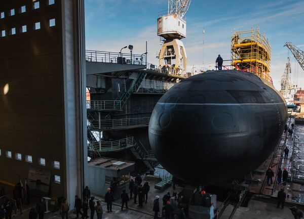 Спуск на воду подводной лодки Великий Новгород в Санкт-Петербурге - Sputnik Латвия