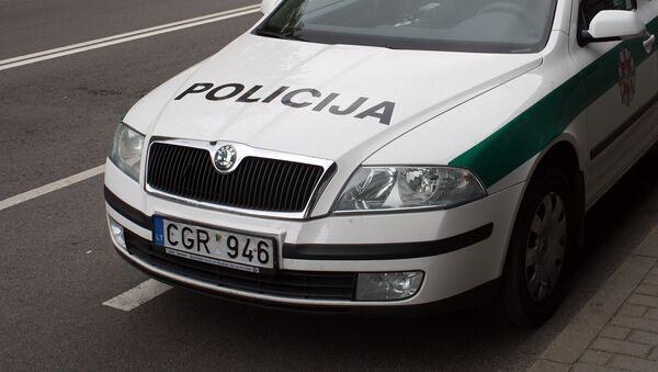 Полицейский автомобиль на улице Вильнюса - Sputnik Латвия