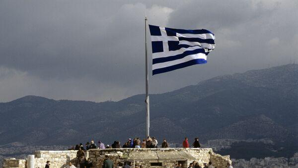 Греческий флаг на смотровой площадке Акрополя - Sputnik Латвия