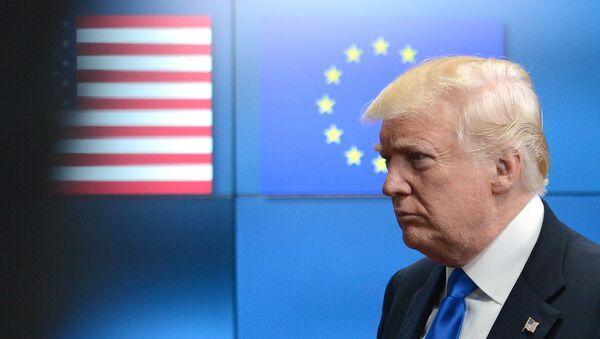 Президент США Дональд Трамп встретился с лидерами ЕС в Брюсселе - Sputnik Latvija